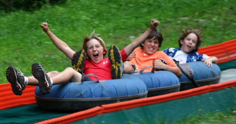 Санки-ватрушки – удовольствие для детей и взрослых